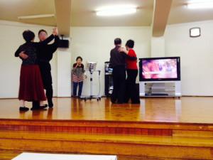 カラオケと社交ダンスのコラボレーション
